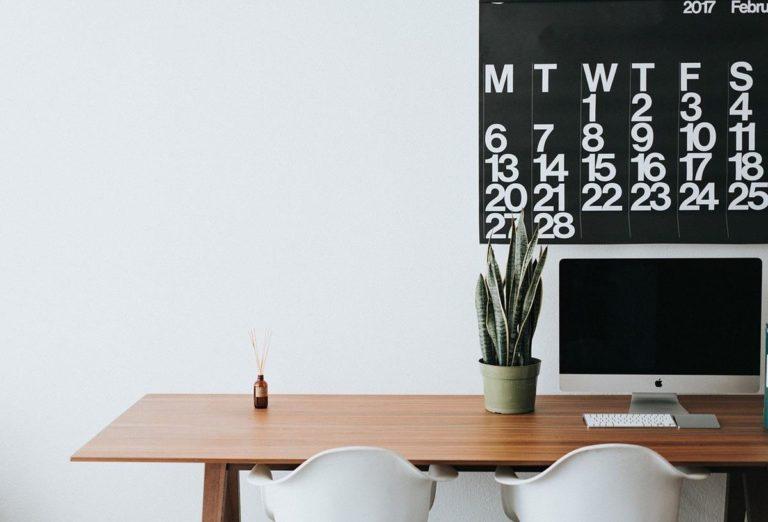 Czym się kierować kupując nowe biurko