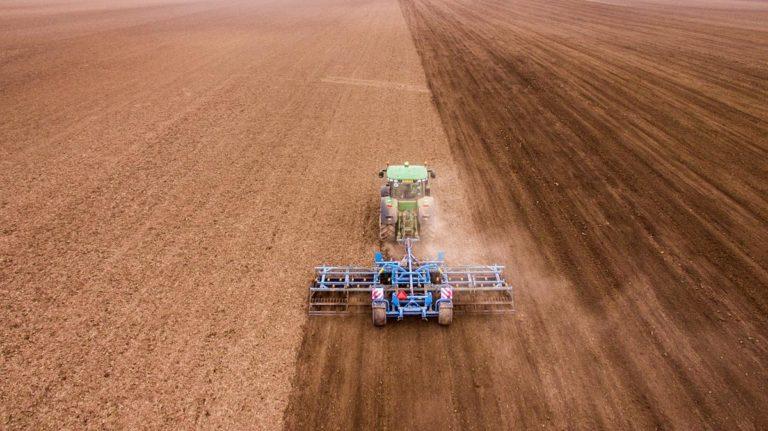Czy kupimy dobre części zamienne do prasy rolniczej?