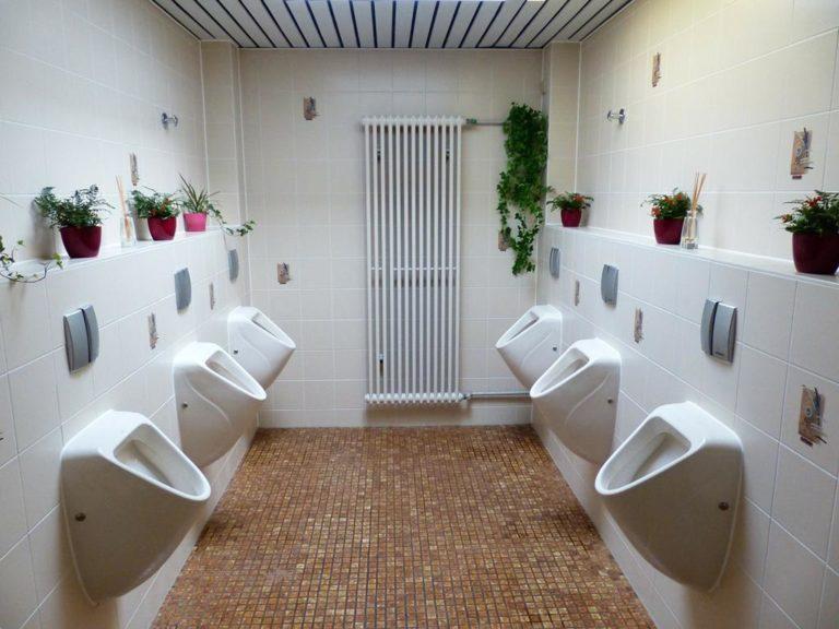 Toalety publiczne odpowiednie do zainstalowania w mieście